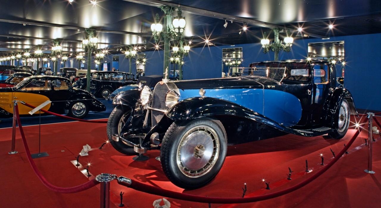 Voiture vintage musée de l'automobile