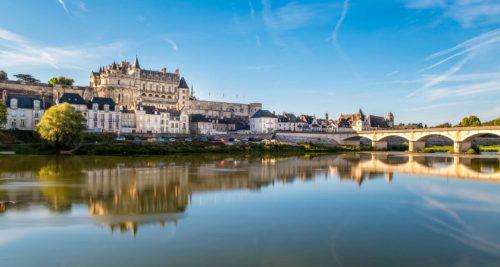 Partons à la découverte du Val de Loire en voiture de collection