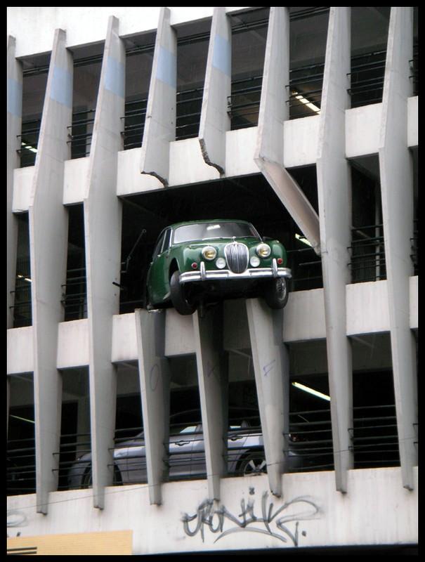 Jaguar 1995 Victor Hugo parking